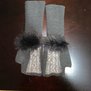 Accessories - Stylish gloves! Grey with Swarovski stones!